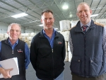 luke-fitzgerald-and-andrew-mills-of-macdonald-co-woolworkers-with-simon-hegarty-rabobank-dubboby-outcrosss-media