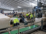 delegates-inspect-the-weighing-and-coring-machine-at-the-macdonald-co-wool-store-at-dubbo-by-outcross-media